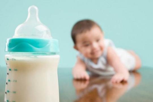 Trẻ sơ sinh tăng cân như thế nào? Sữa nào tốt cho bé?